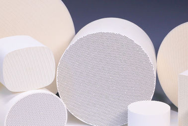 Cordierite Cellular Ceramic Substrates Round For Catalytic Converters